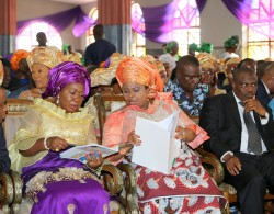 Her Execellency Dame Patience Jonathan wife of the president (middle) flanked from L-R Gov. T.A. Orji, his wife Mercy Orji, Alh. Aminu Tambuwal, Speaker house of Reps and his deputy Hon. Emeka Ihedioha during the funeral service of Late Eze Bob Ogbonna father of Hon. Nkiruka Onyejiocha, Member Reps. Isukwuato/Umunneochi Federal Contituency at Methodist Church Nigeria Umueze, Amuda Isuochi, Umunneochi LGA of Abia state.